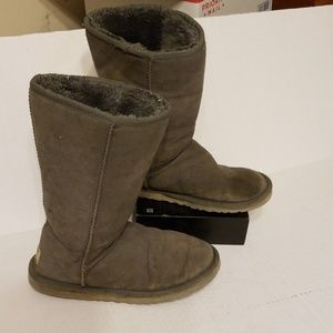 Ugg classic grey boots women's size 8